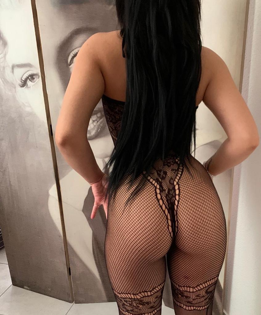 https://sedcardservice.ch/uploads/Bar_40/girl/1d5faa4d9da463da4f3ad2d99c725e42.jpeg